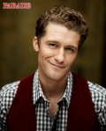 Matthew-Morrison-Photoshoot-Parade-glee-9236472-376-468