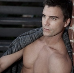 905d9_colin-egglesfield-bello