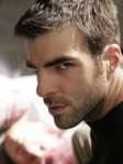 00763612-photo-sylar-alias-zachary-quinto-dans-heroes