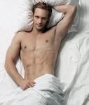 alexander-skarsgard-nude_393x463 (127x150)