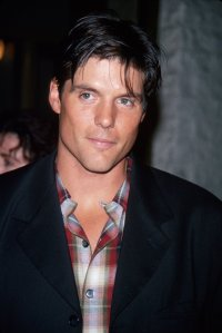 Paul-Johansson-one-tree-hill-514253_1282_1920