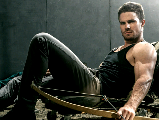 Stephen-Amell-on-Gay-Beginnings-02