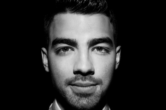2011_Joe_Jonas_Website-1